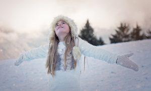 Dziecko w śniegu